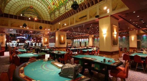Возродятся ли снова азартные игры в «Moulin Rouge»?