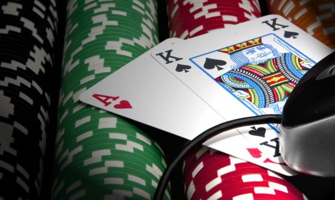 Почему игроки играют в слоты на реальные деньги?