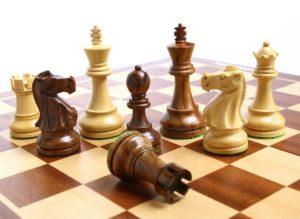 Являетесь любителем шахмат? Рекомендуем заглянуть на сайт «e2-e4.org»!