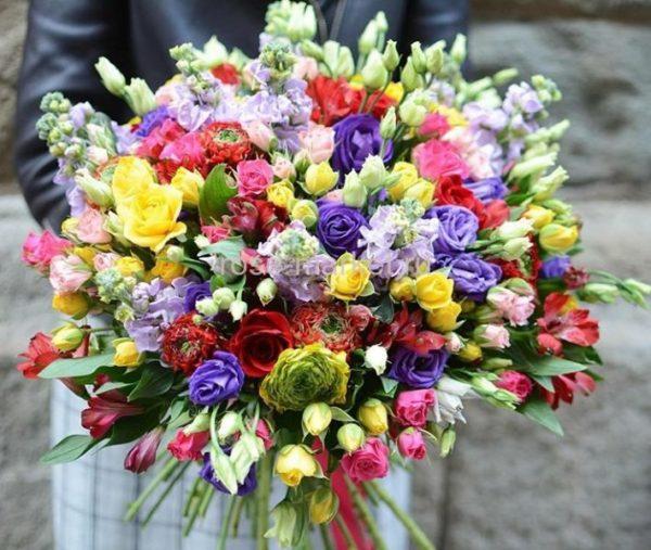 Оперативная доставка цветов в Тюмени