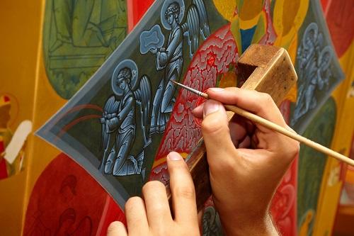 Мастерская «Палехский Иконостас» предлагает широкий спектр услуг, включая создание интерьера храмов, написание икон и многое другое