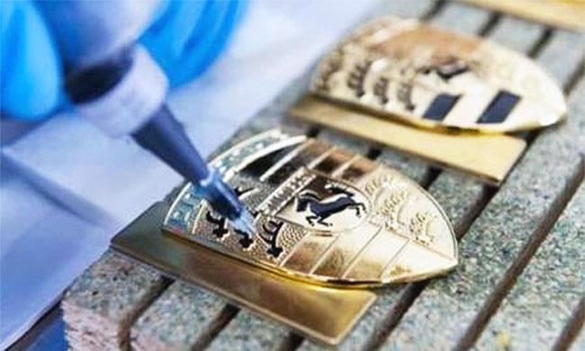Изготовление значков, медалей, бейджей, монет, брелков, шильдов