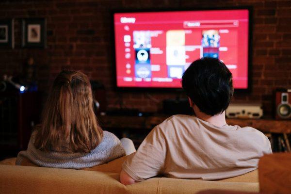 Смотреть фильмы разных жанров онлайн на Кинозавре